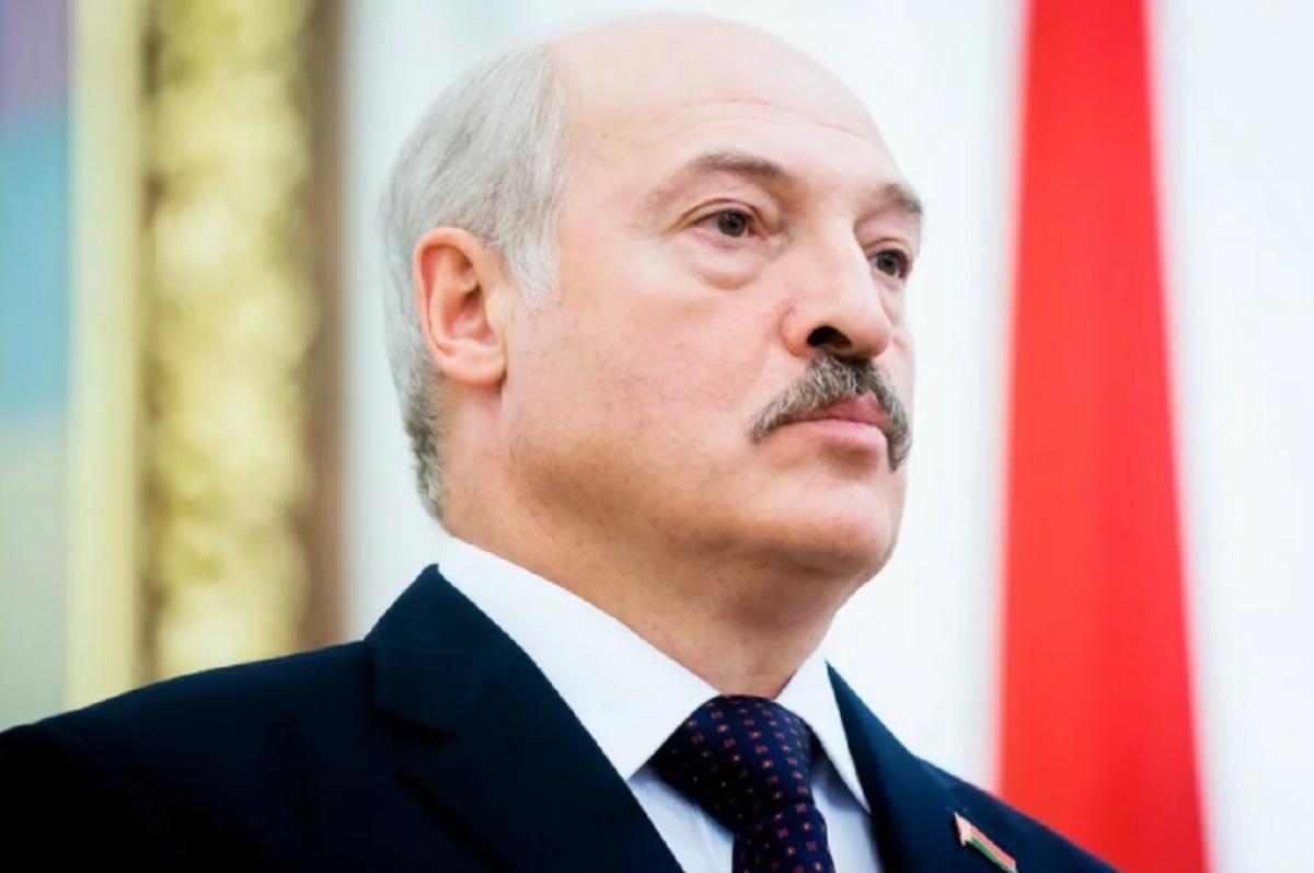 Глава Белоруссии Александр Лукашенко и его собака