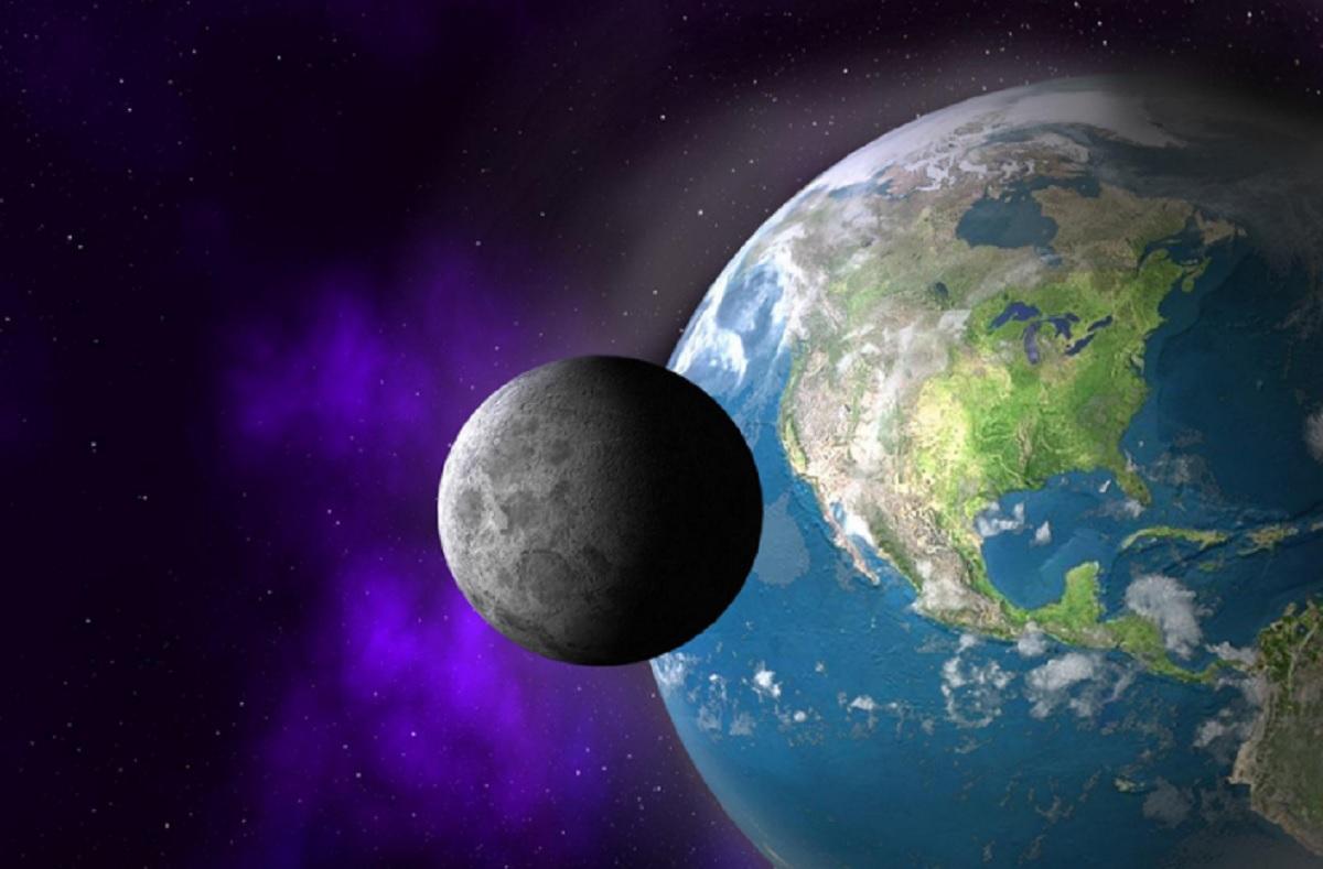 Спутник NASA обнаружил на Луне обломки