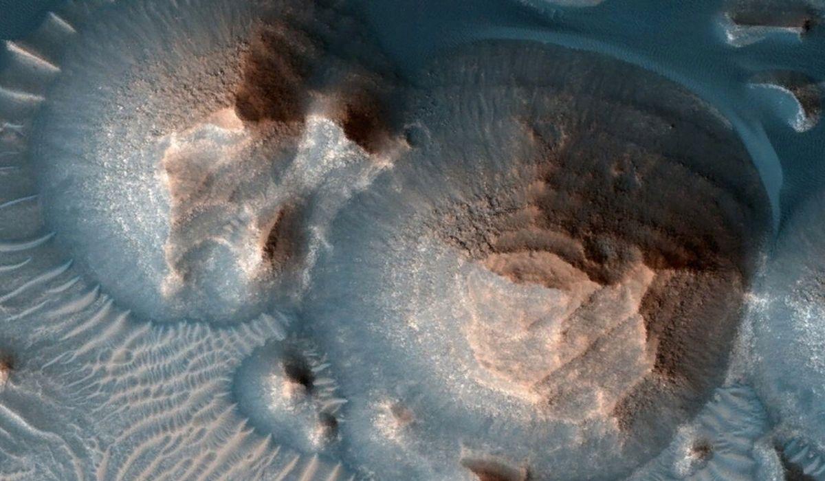 вулканы на Марсе картинка