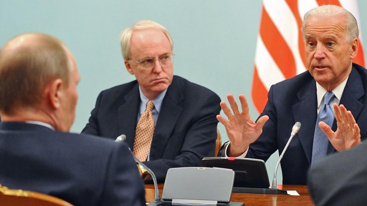СМИ: в США надеются, что Путин и Байден договорятся о возвращении послов