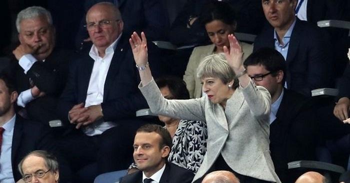 Британские министры потребуют отставки Терезы Мэй
