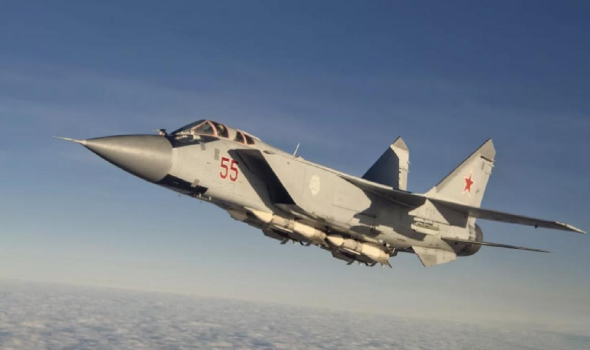 МиГ-31 перехватил самолет-шпион