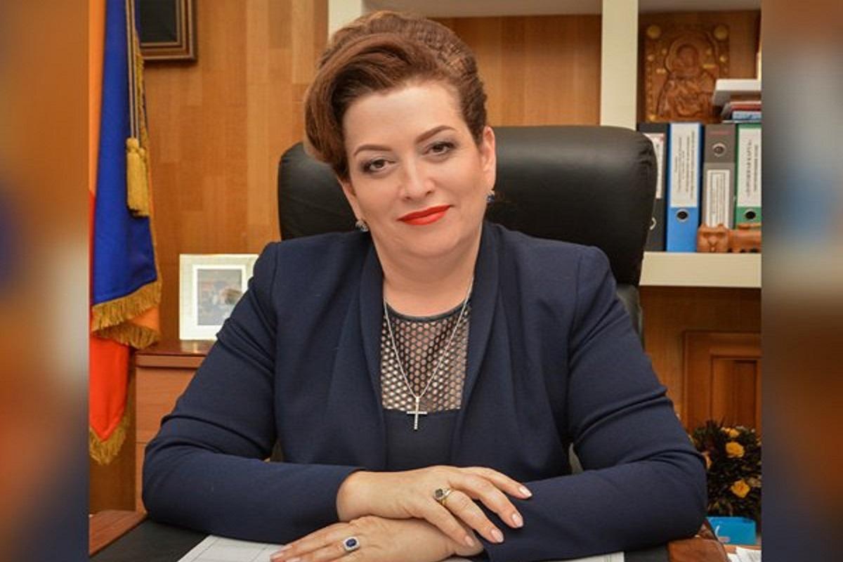 Дочь Быковской просит ростовчан не осуждать роскошную жизнь министра