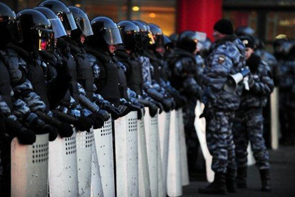 Митингующие окружили резиденцию президента Сербии