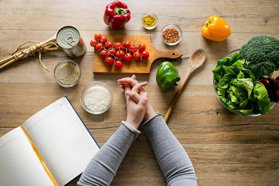 Правила, которые никогда не дадут похудеть: 8 зловредных мифов о похудении, в которые просто неприлично верить