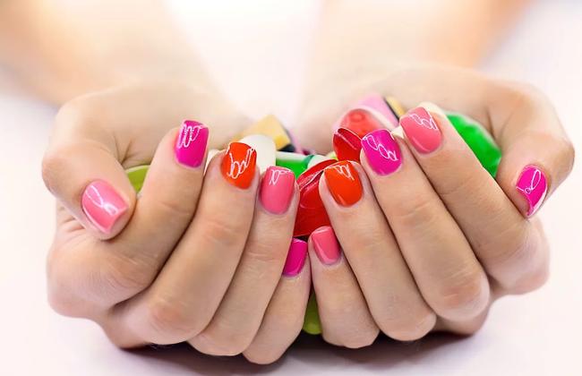 Модный маникюр весна-лето 2019: новые идеи летнего дизайна ногтей от лучших мастеров нейл-арта + 50 фото