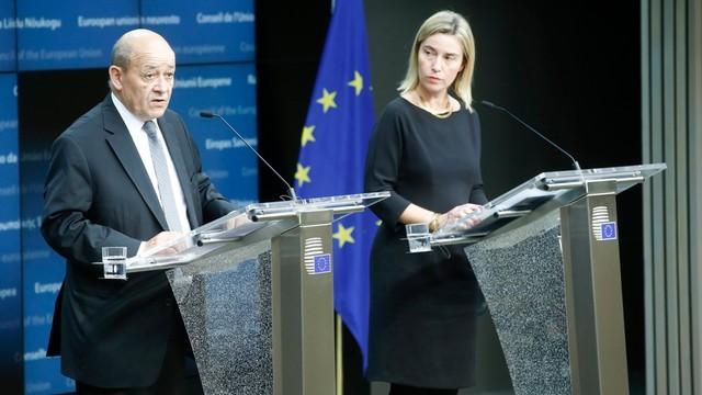Совет ЕС призвал свои страны активизировать военное сотрудничество после претензий США