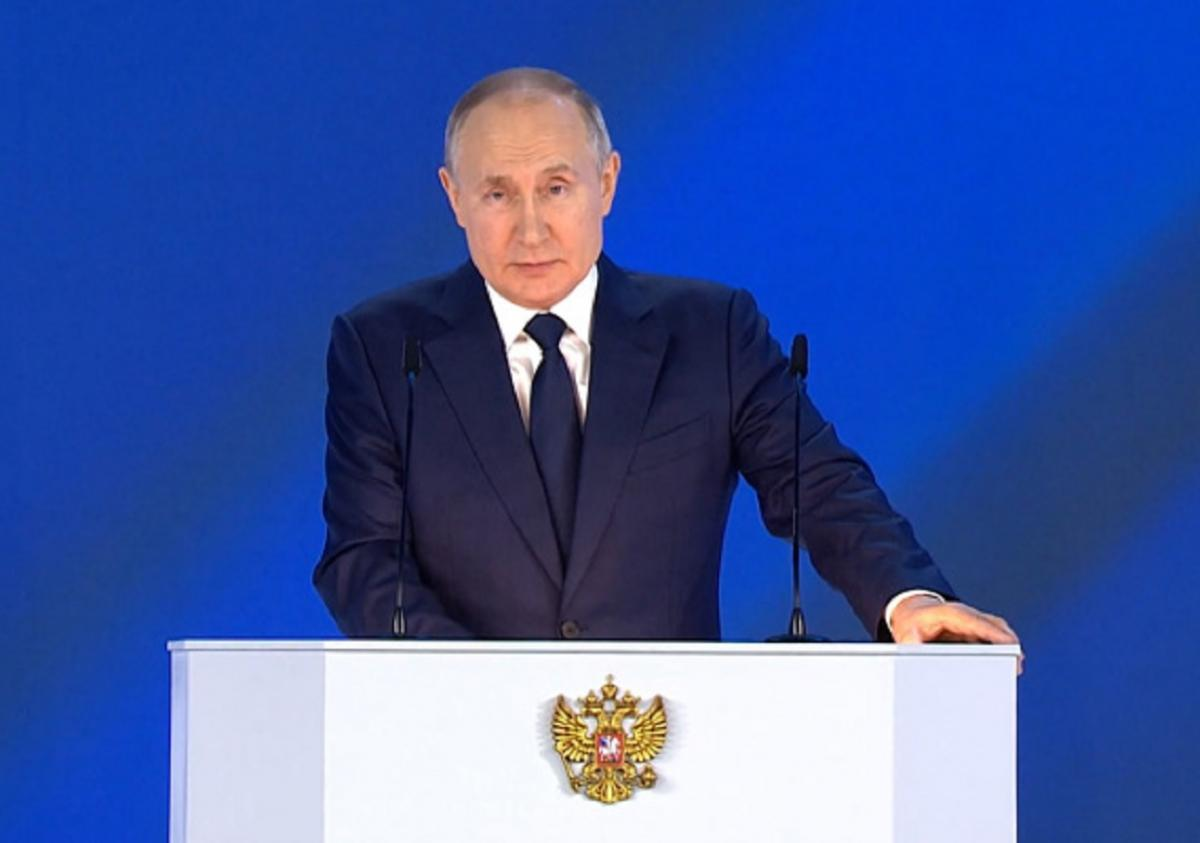 Что может стоять за молчанием Путина по Донбассу
