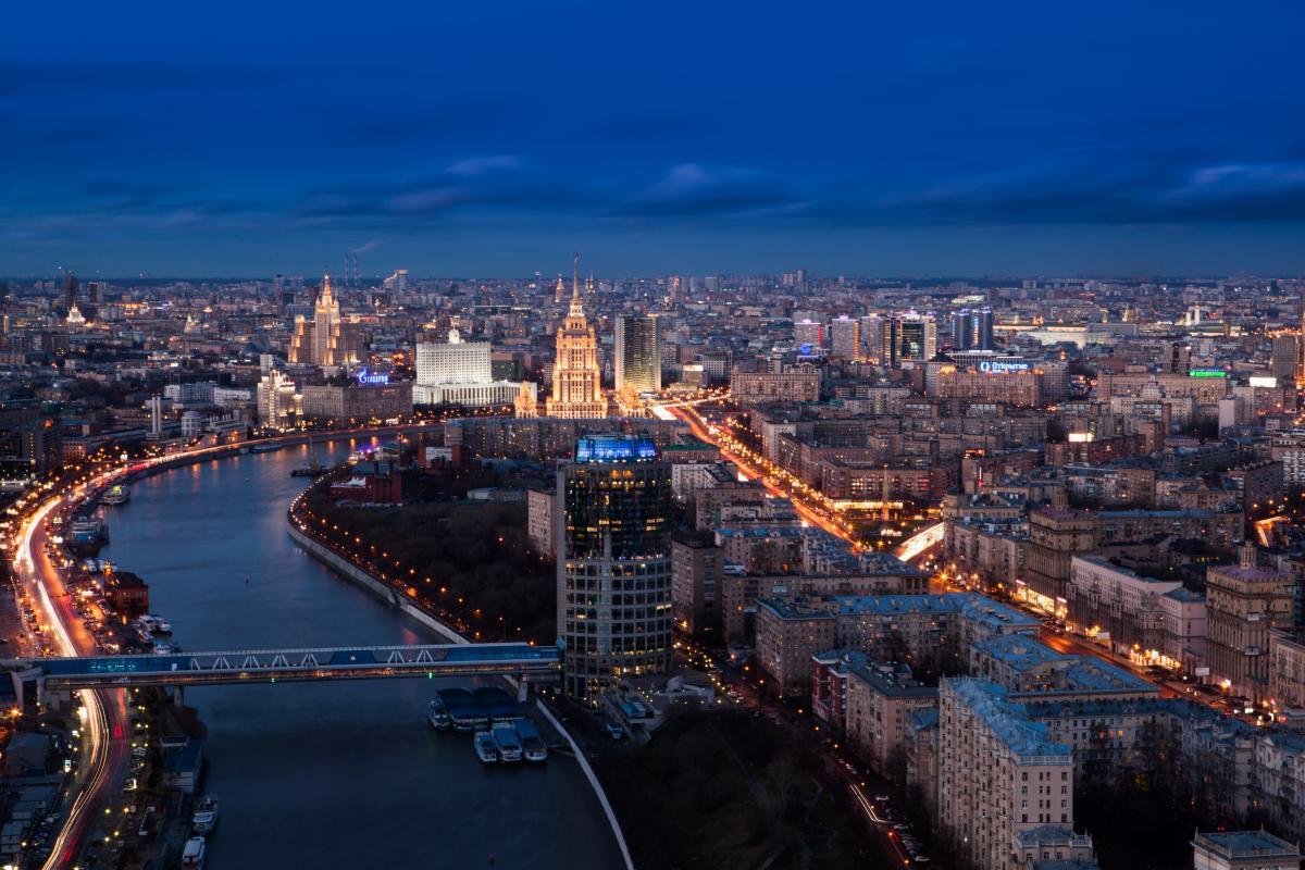 Свыше 200 человек были задержаны в Москве во время несогласованной с властями акции в поддержку журналиста Голунова – СМИ