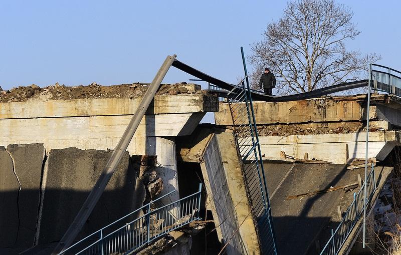 В ХМАО рухнул мост, есть жертвы