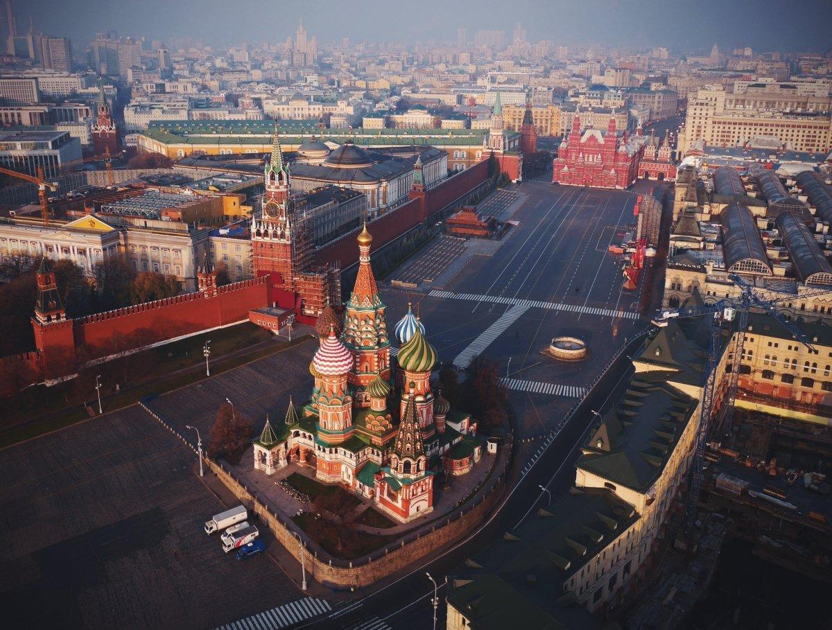 Московским водителям стоит знать о перекрытии движения во время репетиции Парада Победы в Москве