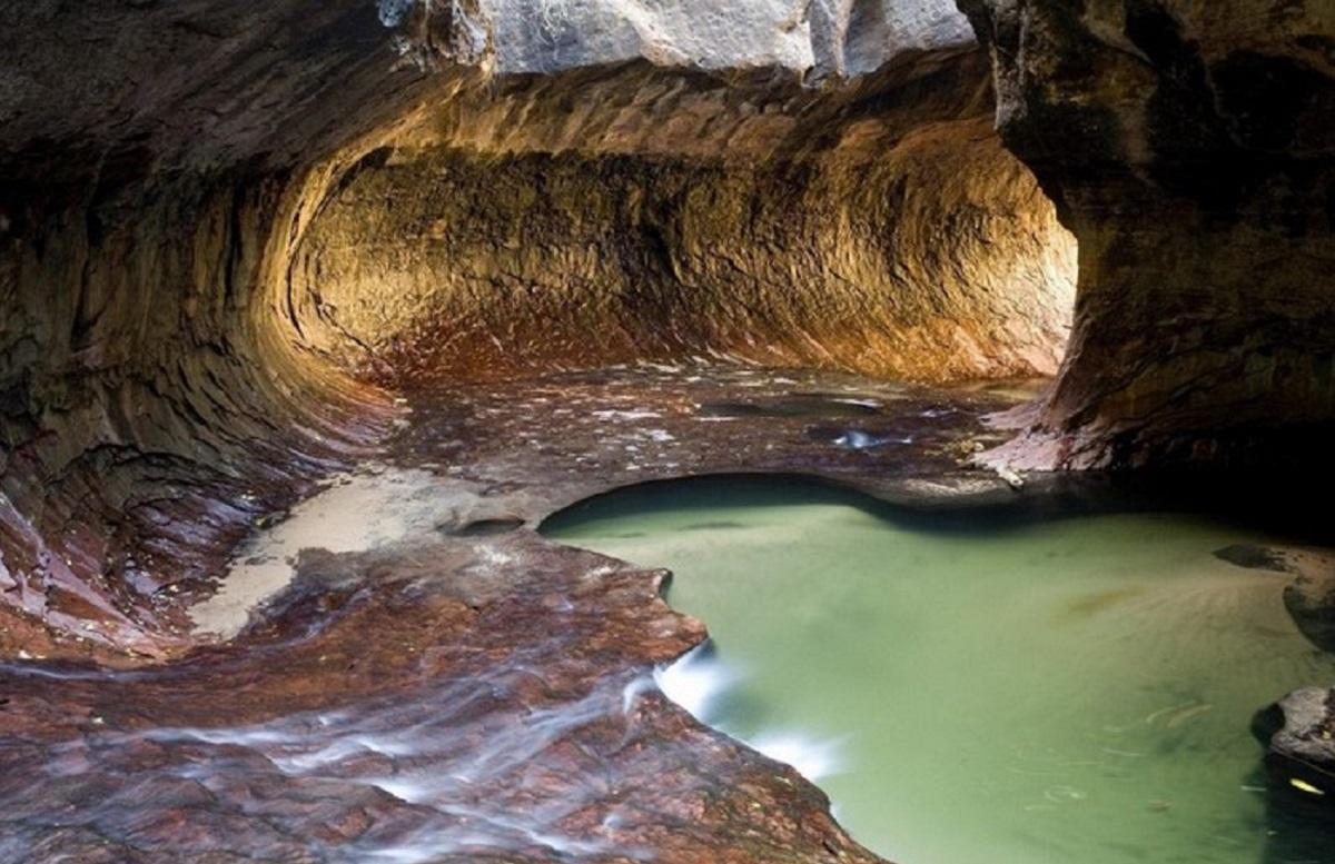 Пещеры под парком Зайон