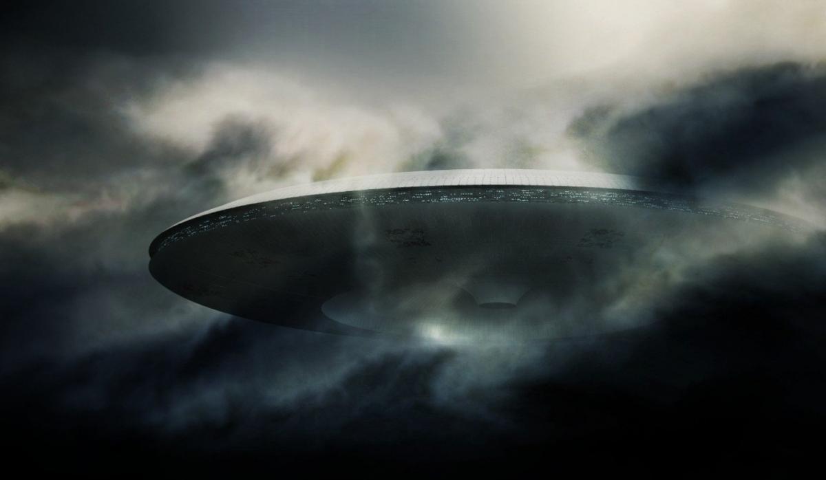 В Канаде был снят на видео неопознанный космический объект