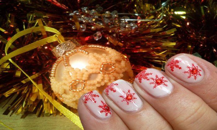 """Новогодний маникюр 2019: идеи праздничного дизайна на короткие ногти, которые """"зацепят"""" внимание любой женщины"""