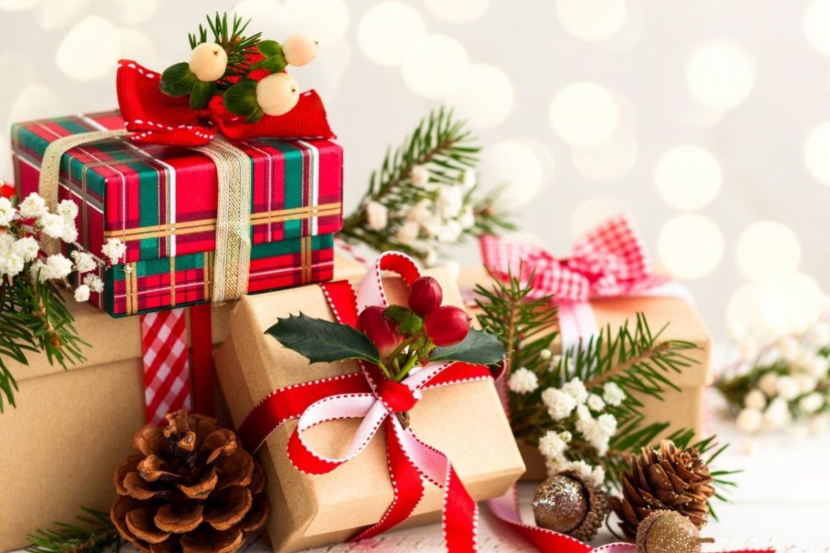 Картинки по запросу фото новогодние подарки