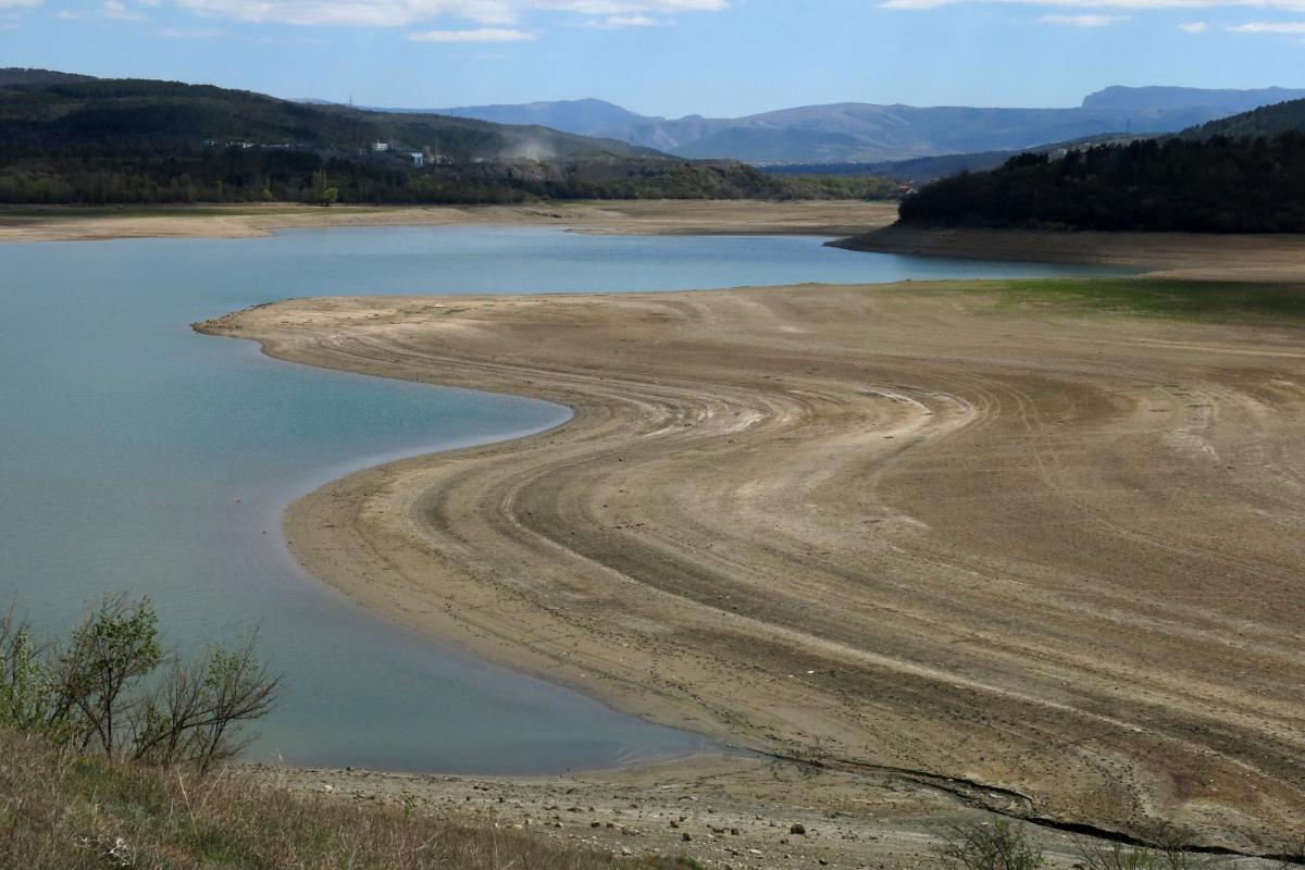 Крым водохранилище пересохшее