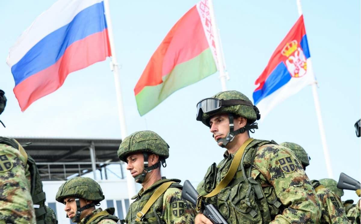 Россия отправляет в Беларусь псковских десантников