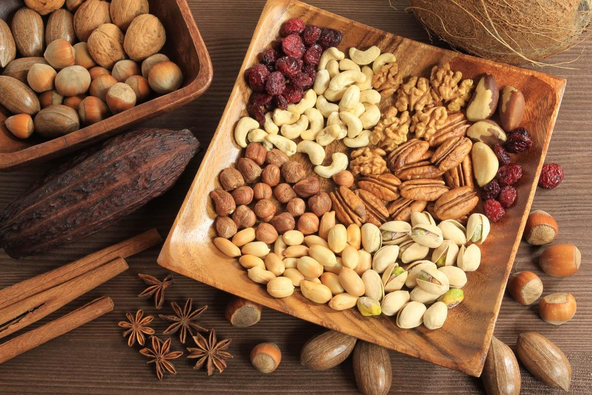 Безмерное потребление орехов может привести к раку печени