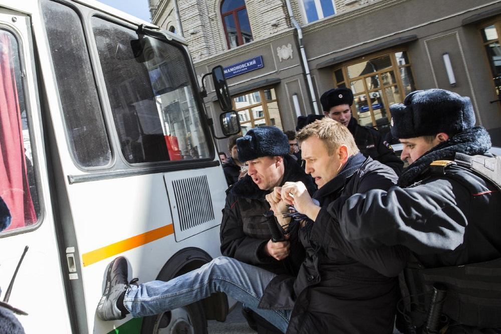 Алексея Навального задержали снова