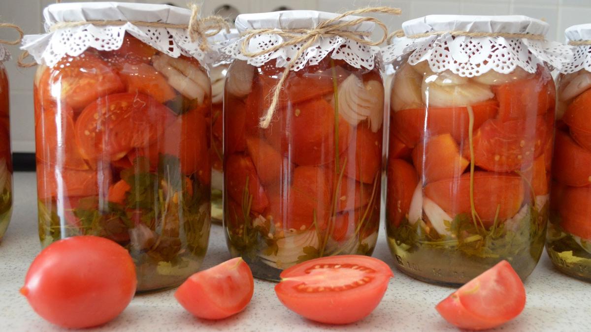 Простой и вкусный рецепт заготовки помидоров на зиму