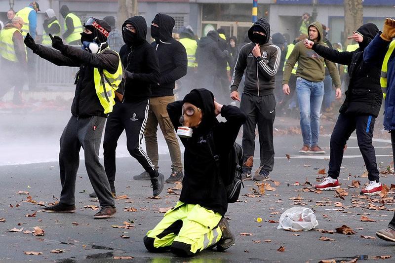 Би-Би-си «требует крови», выискивая российский след в беспорядках во Франции