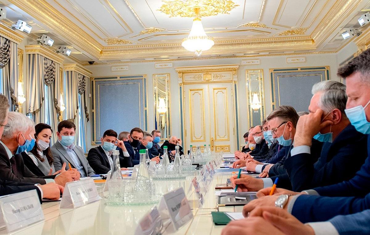 Ответный ход ЛДНР в переговорах по Донбассу вызвал бурную реакцию Киева: