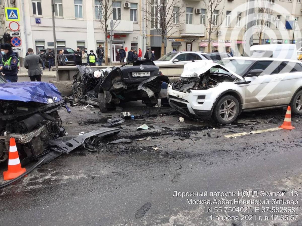 ДТП на Смоленской площади, Москва 1 апреля 2021