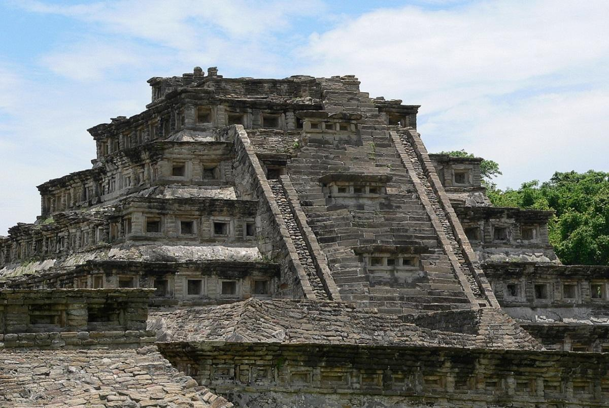 пирамида в Мексике