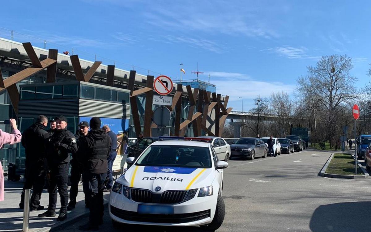 Украинская полиция приехала на место беспорядков