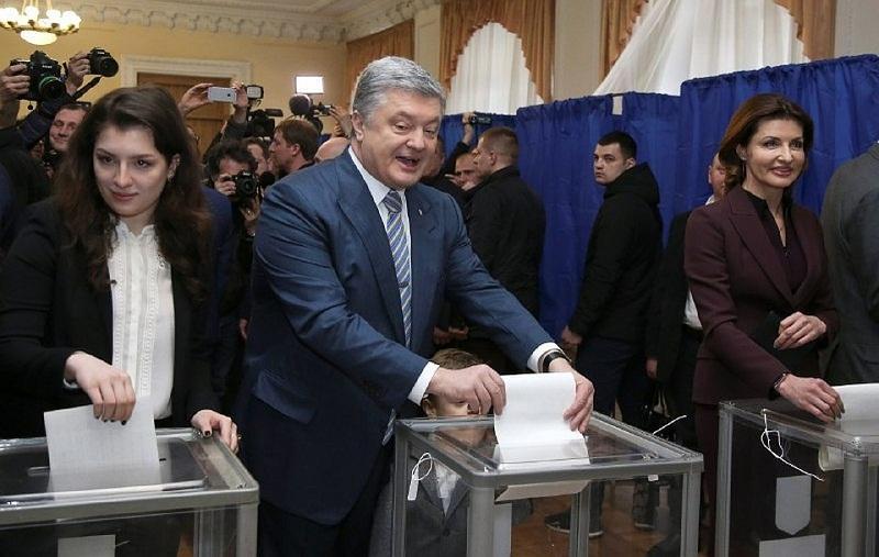 Порошенко проголосовал на выборах