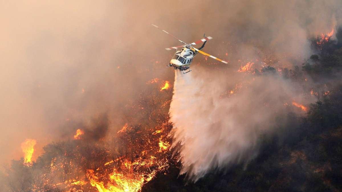 Тушение лесного пожара с вертолета