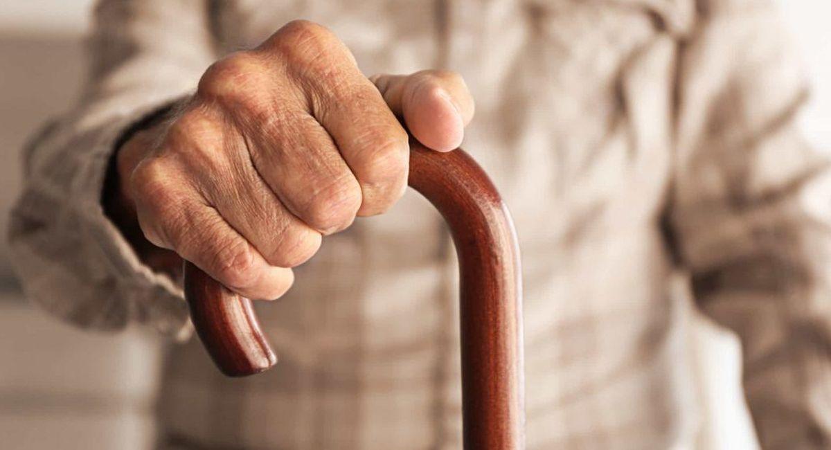 пожилой человек картинка