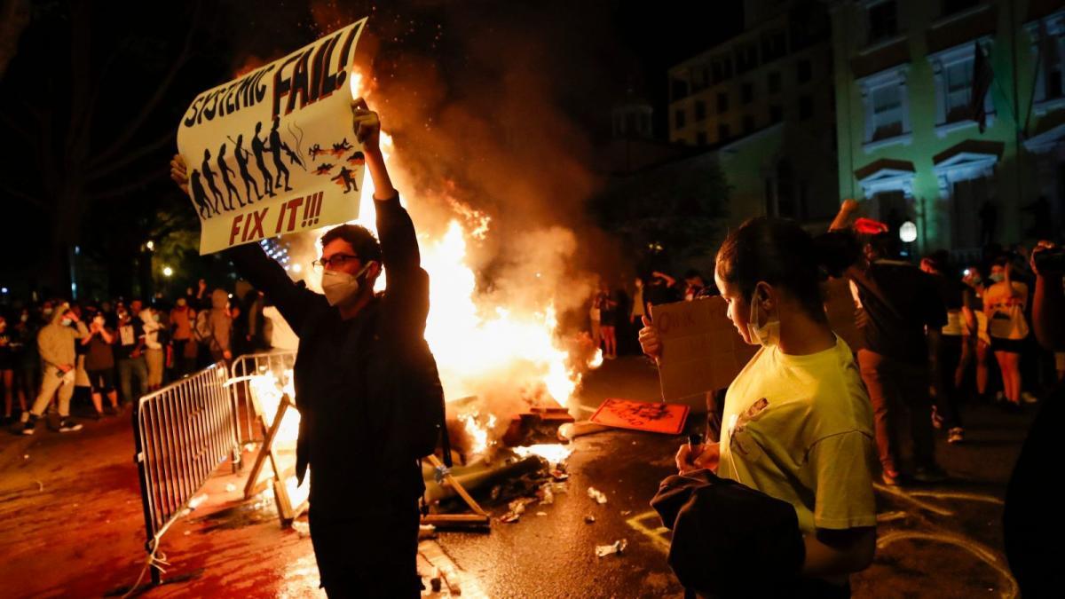 Протесты в Америке