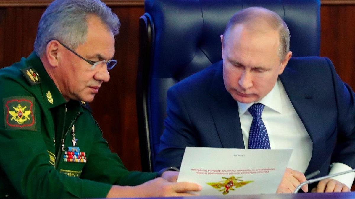 Путин заморозил индексацию довольствия военных, учитываемого при исчислении пенсий