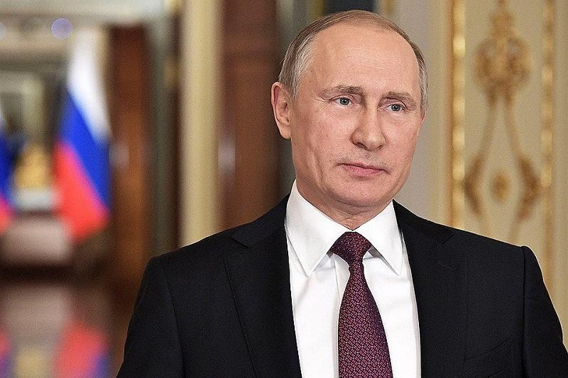 Немецкая газета опубликовала фото удостоверения Штази на имя Владимира Путина