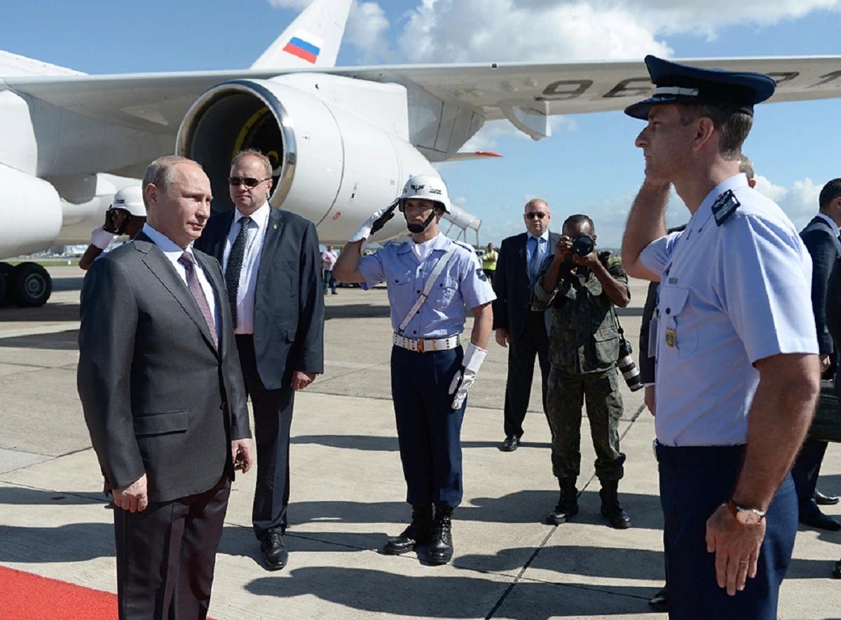 Путин прилетел в Бразилию на саммит БРИКС