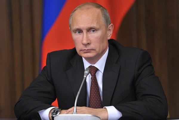 Путин поручил обеспечить безопасность граждан РФ в Турции