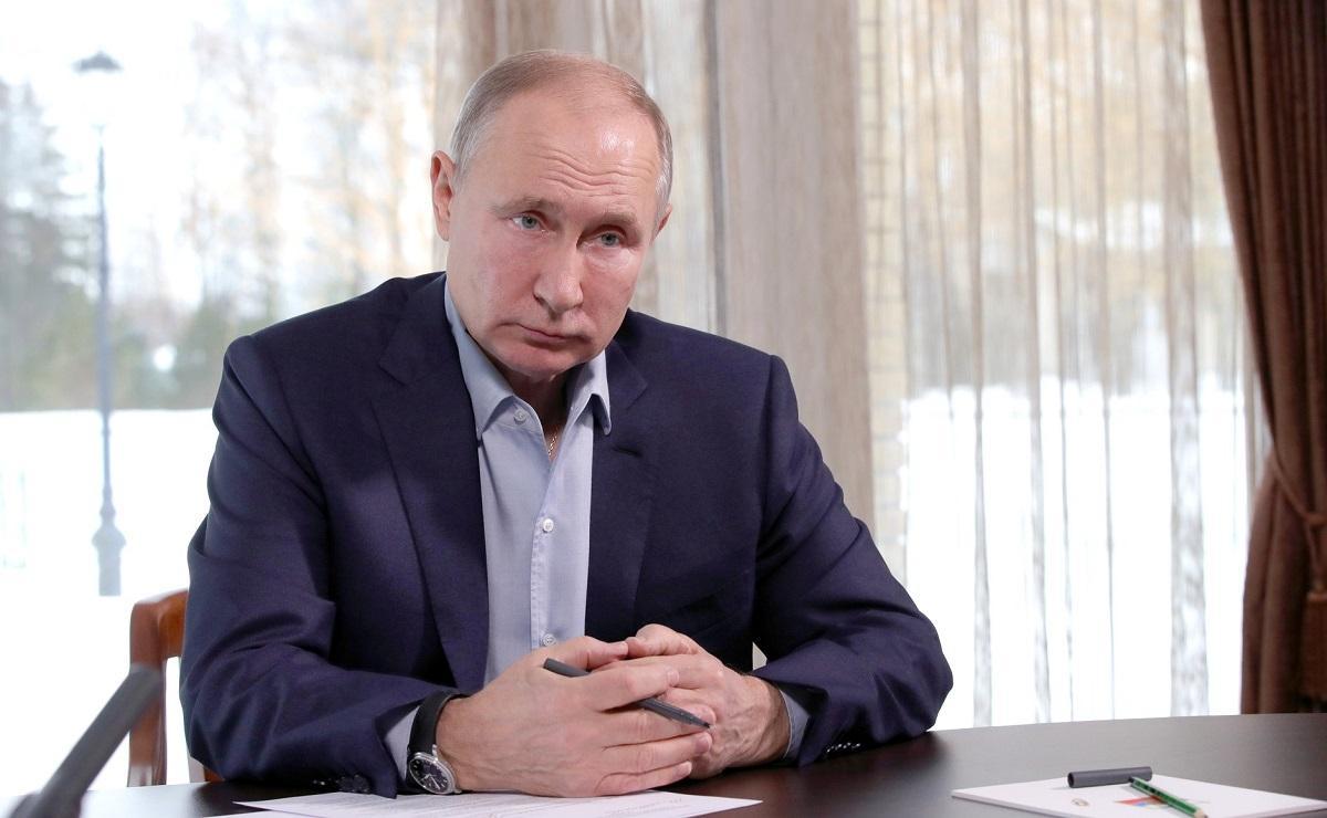 Путин призвал избавляться от унизительных правил в социальной сфере