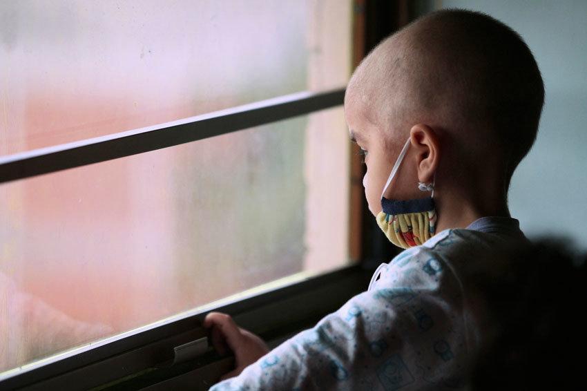 Эксперт оценила действия москвички в отношении онкобольного ребенка