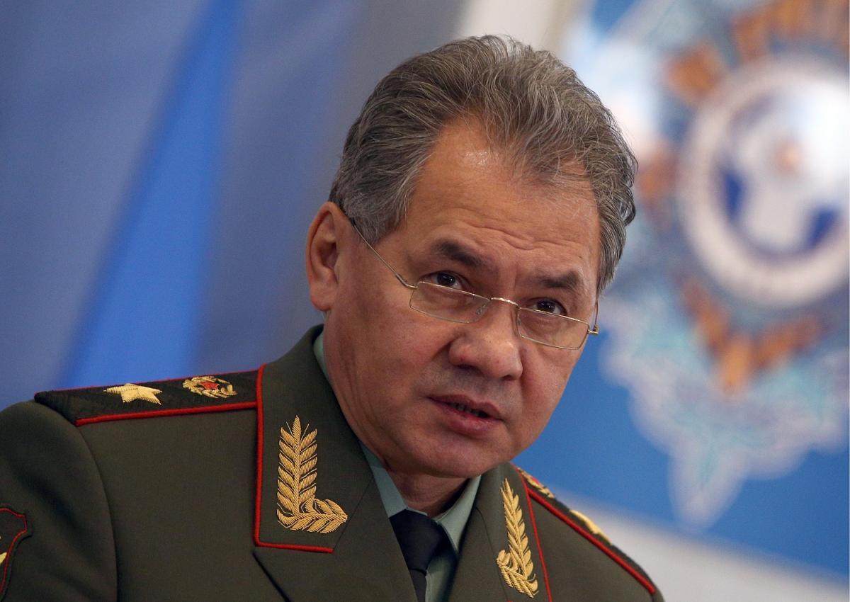 Шойгу заявил о напряженной обстановке у границ России на западе