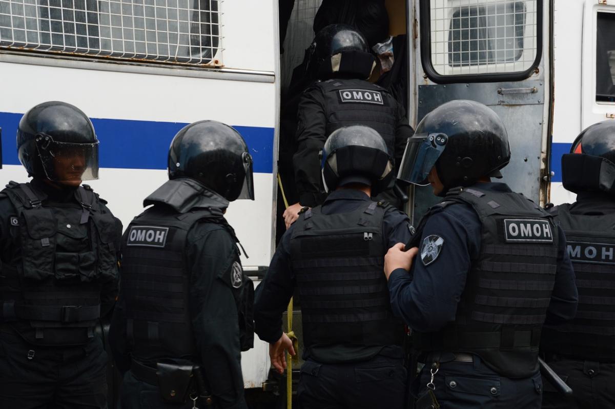 В Кремле поддержали «оправданную жестокость» силовиков на митингах