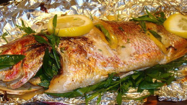Монастырская кухня: рыба с овощами, запечённая в фольге