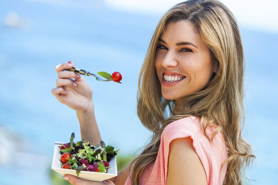 Назван фактор, блокирующий похудение - еда на ходу