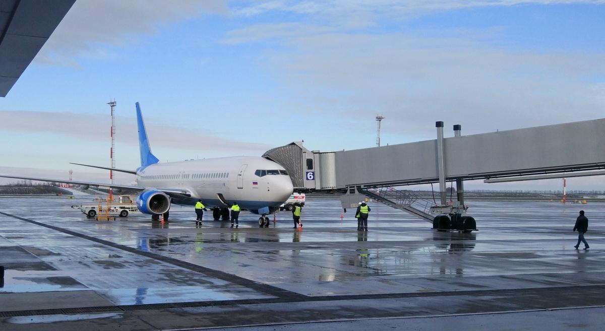 Самолет аэропорт Платов