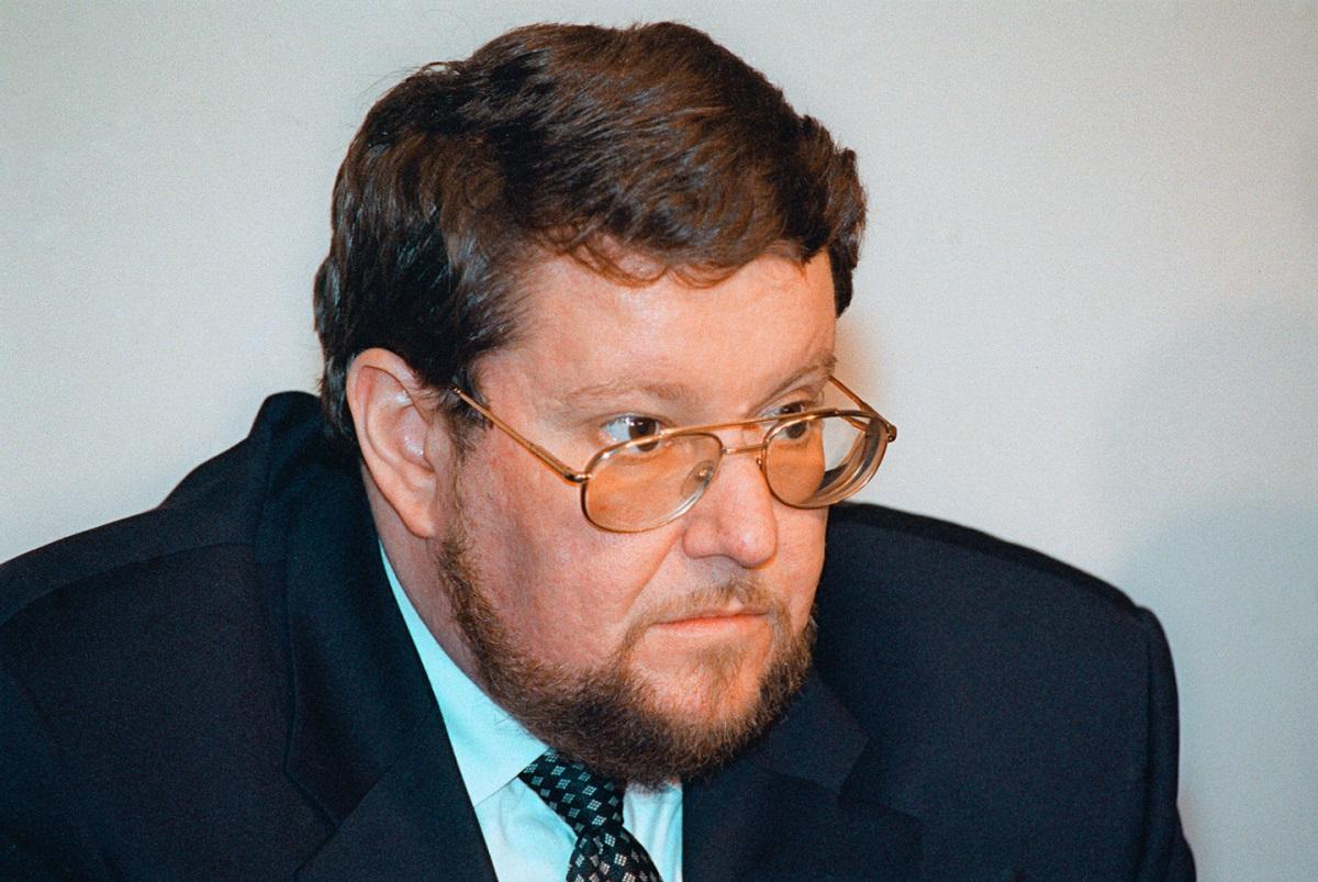 Сатановский назвал серьезной угрозой для России двойную игру США против Китая