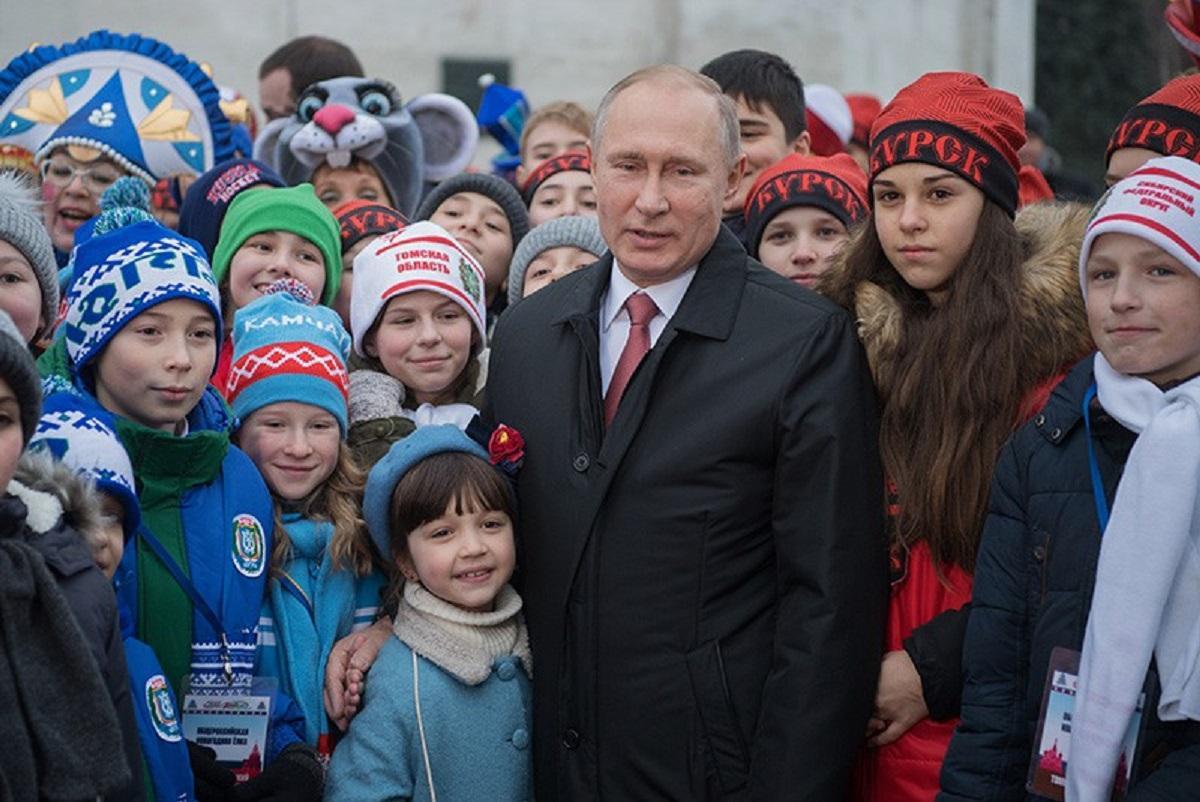 Выплата в 10 тыс. рублей на детей школьного возраста, когда начнут перечислять