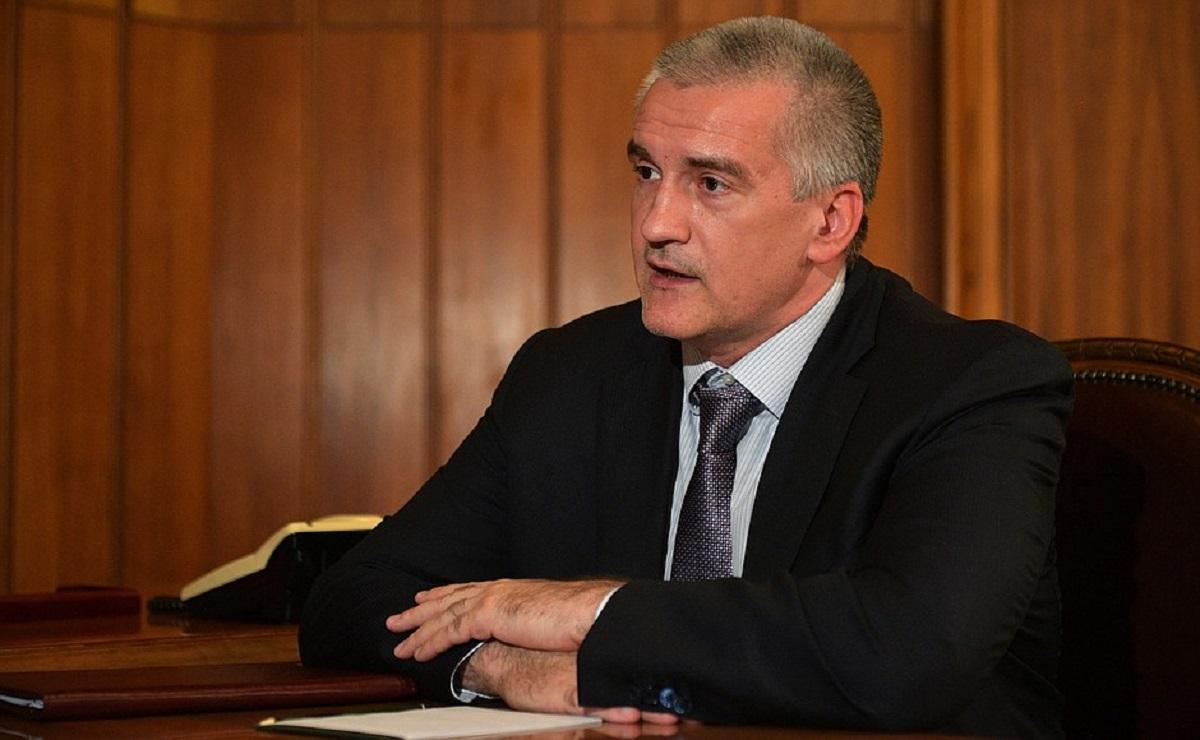 Глава Крыма лично проверит работу всех чиновников в муниципалитетах