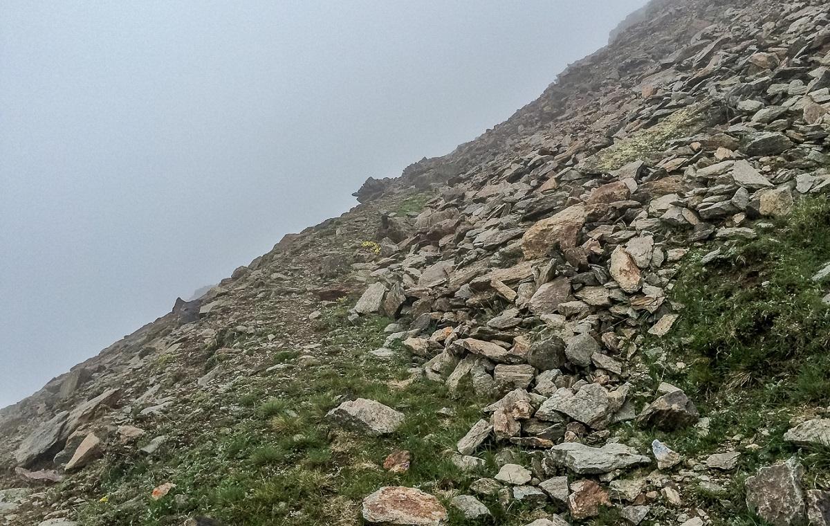 Петербургских альпинистов накрыл камнепад в горах КБР