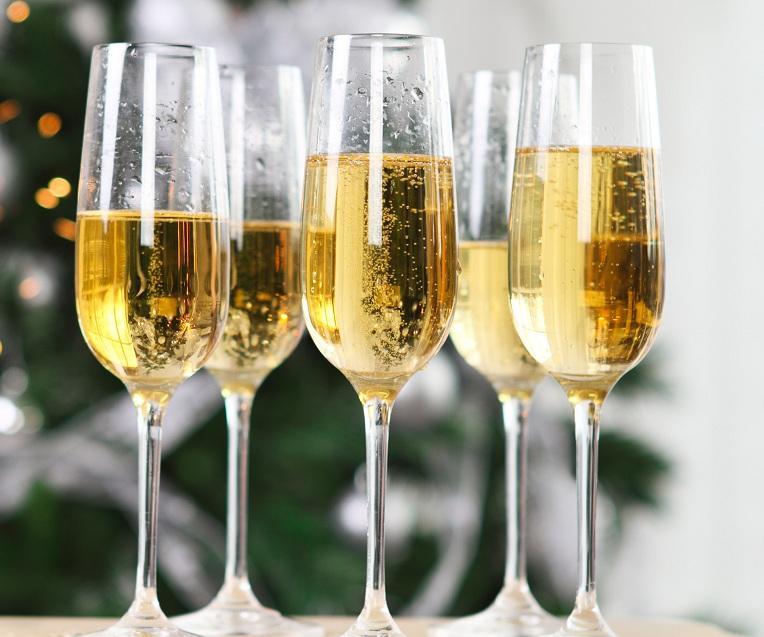 В Роскачестве дали рекомендации по выбору шампанского на Новый год