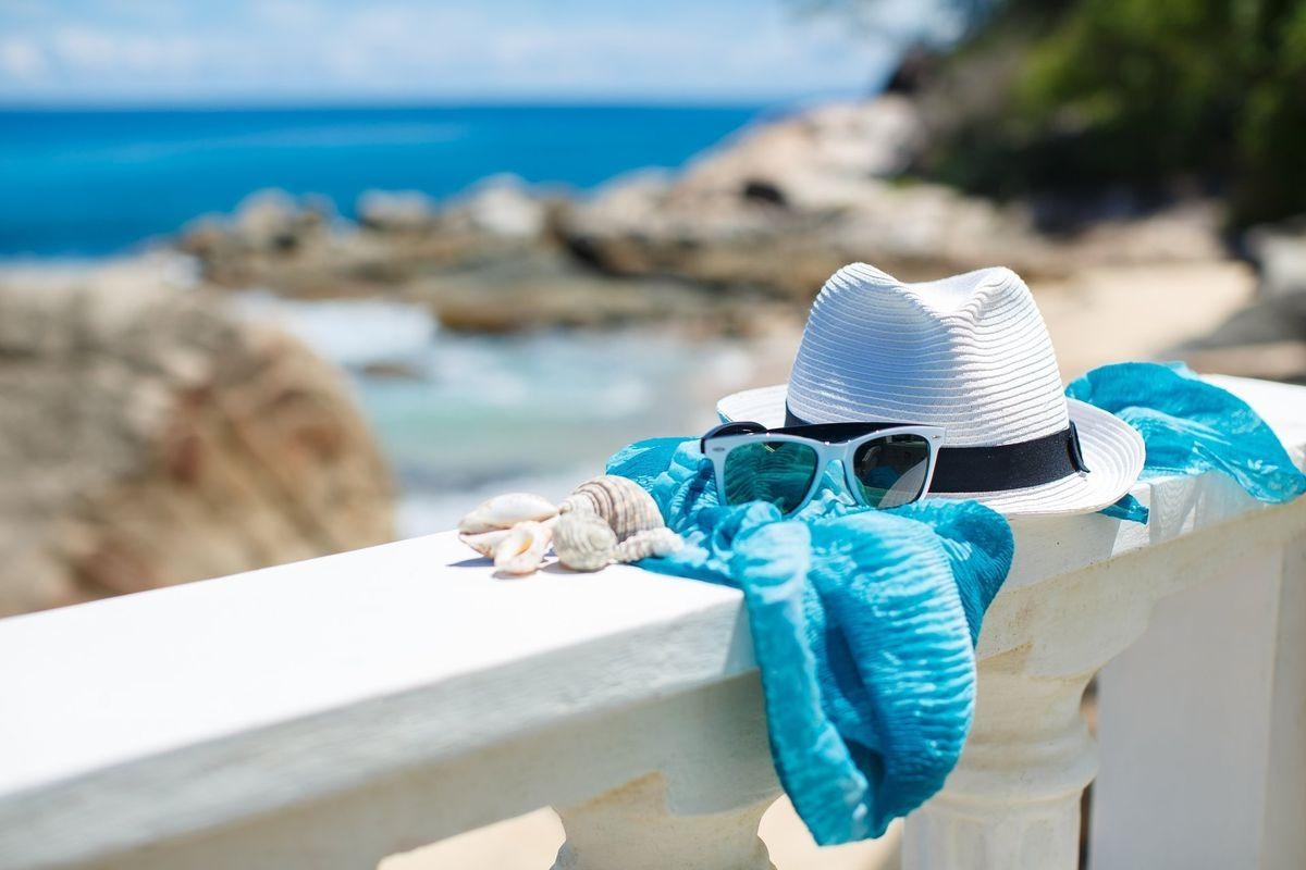 шляпа и море картинки